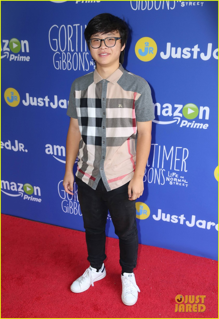 gortimer gibbons cast just jared jr fall fun day 40