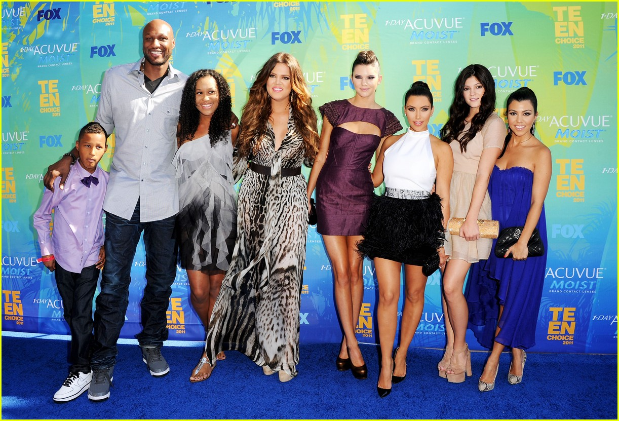 kardashian family releases joint statement on lamar odom 09