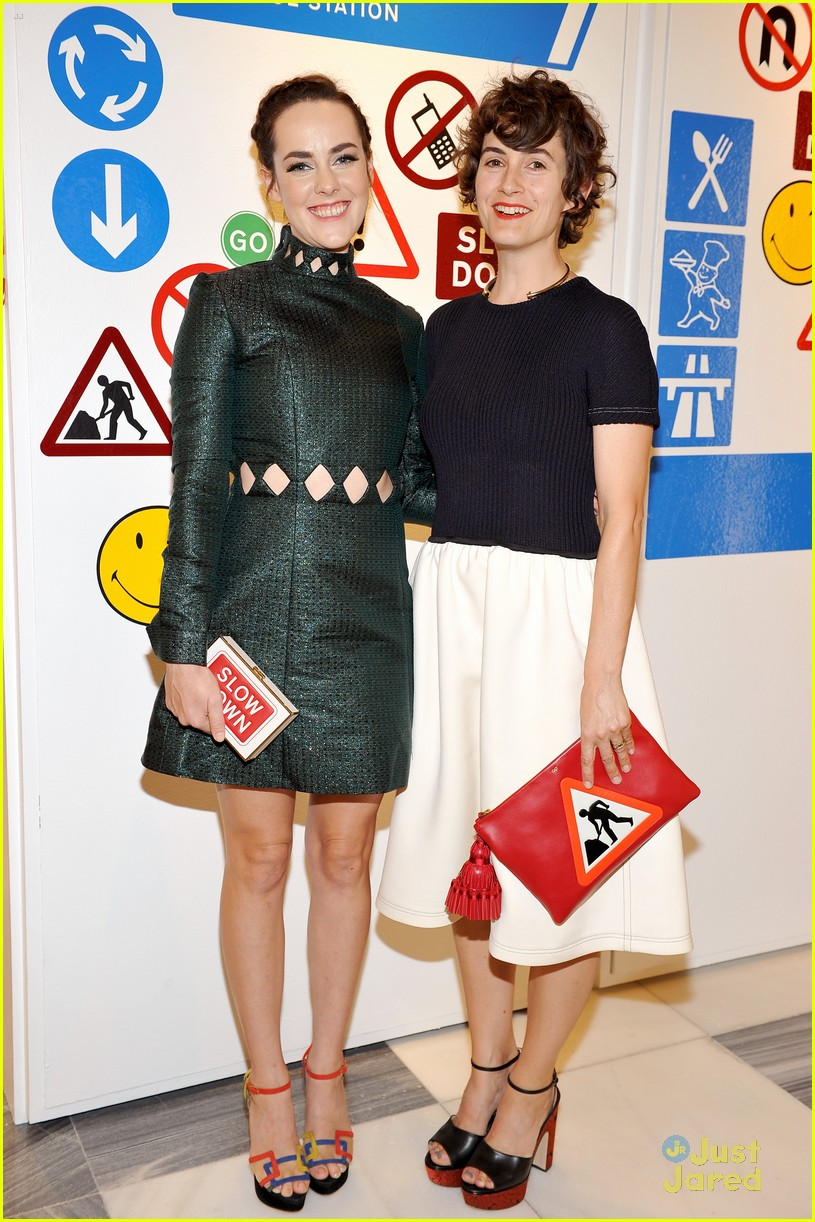 kiernan shipka jena malone anya hindmarch party 09