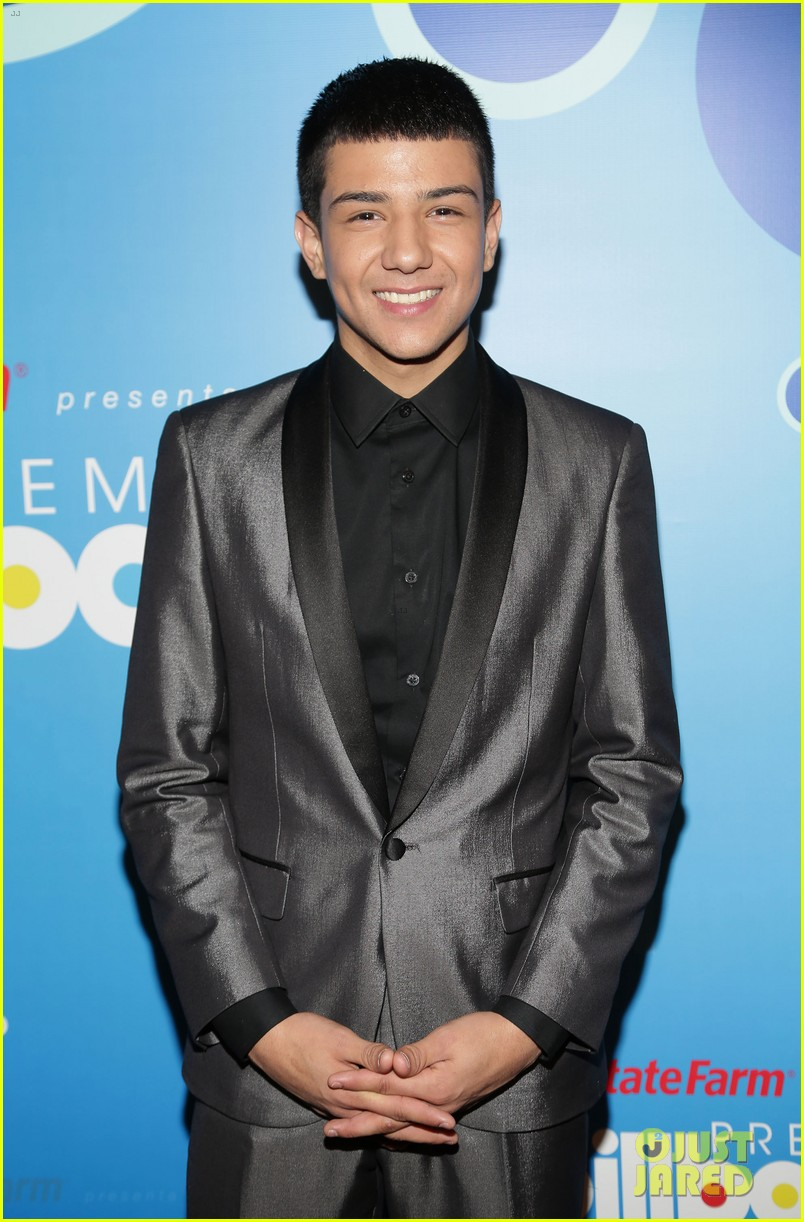 Who Is Luis Coronel Get To Know The Chart Topping Regional Mexican
