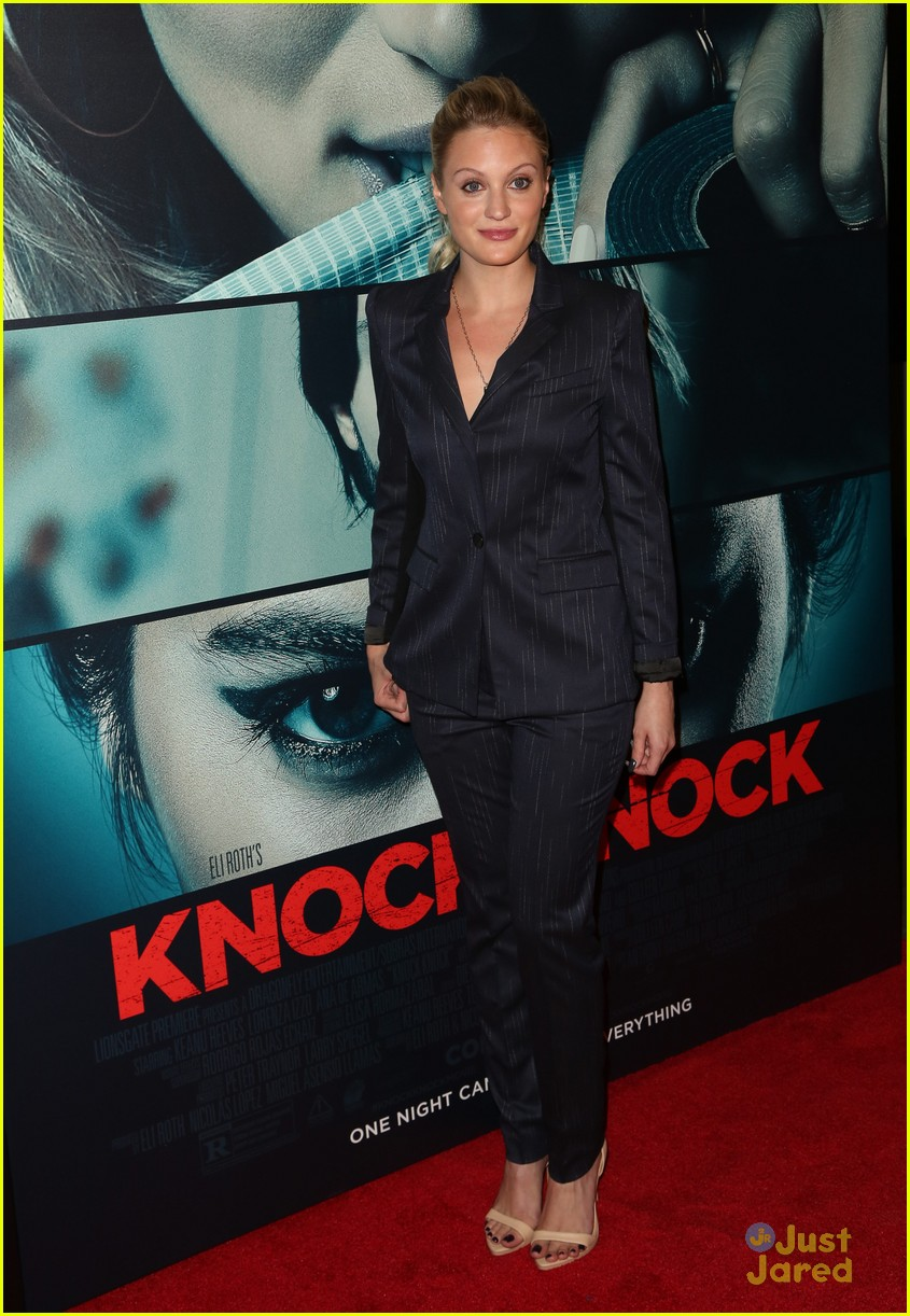 molly tarlov kirby bliss blanton knock knock premiere 05