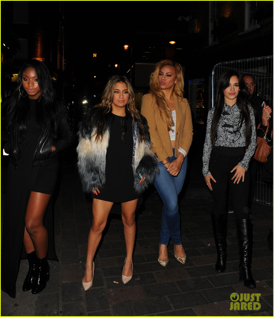 One Direction Hangs Out With Fifth Harmony In London Photo 888591