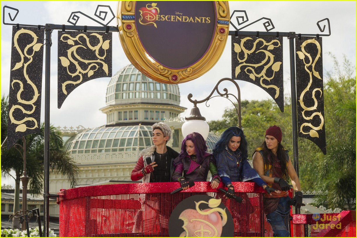 descendants christmas parade taping wdw pics 01