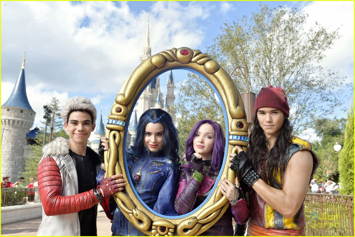 descendants christmas parade taping wdw pics 02