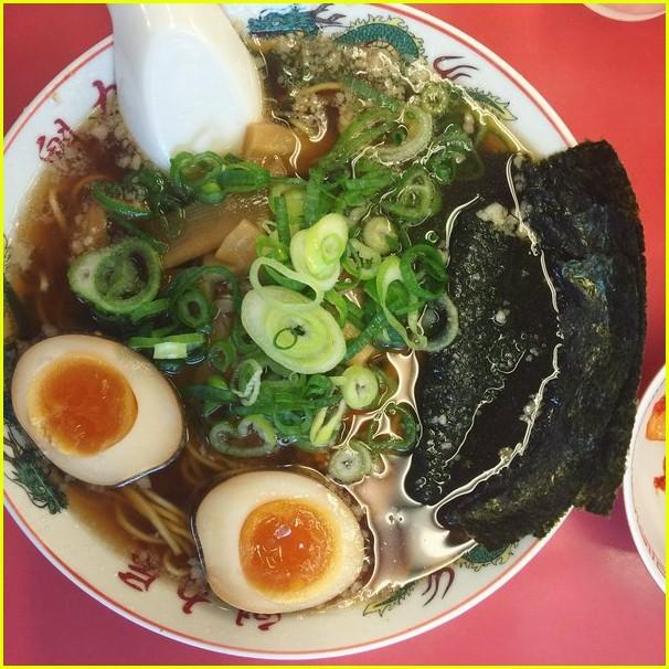 zac efron girlfriend sami miro take a trip to tokyo 05