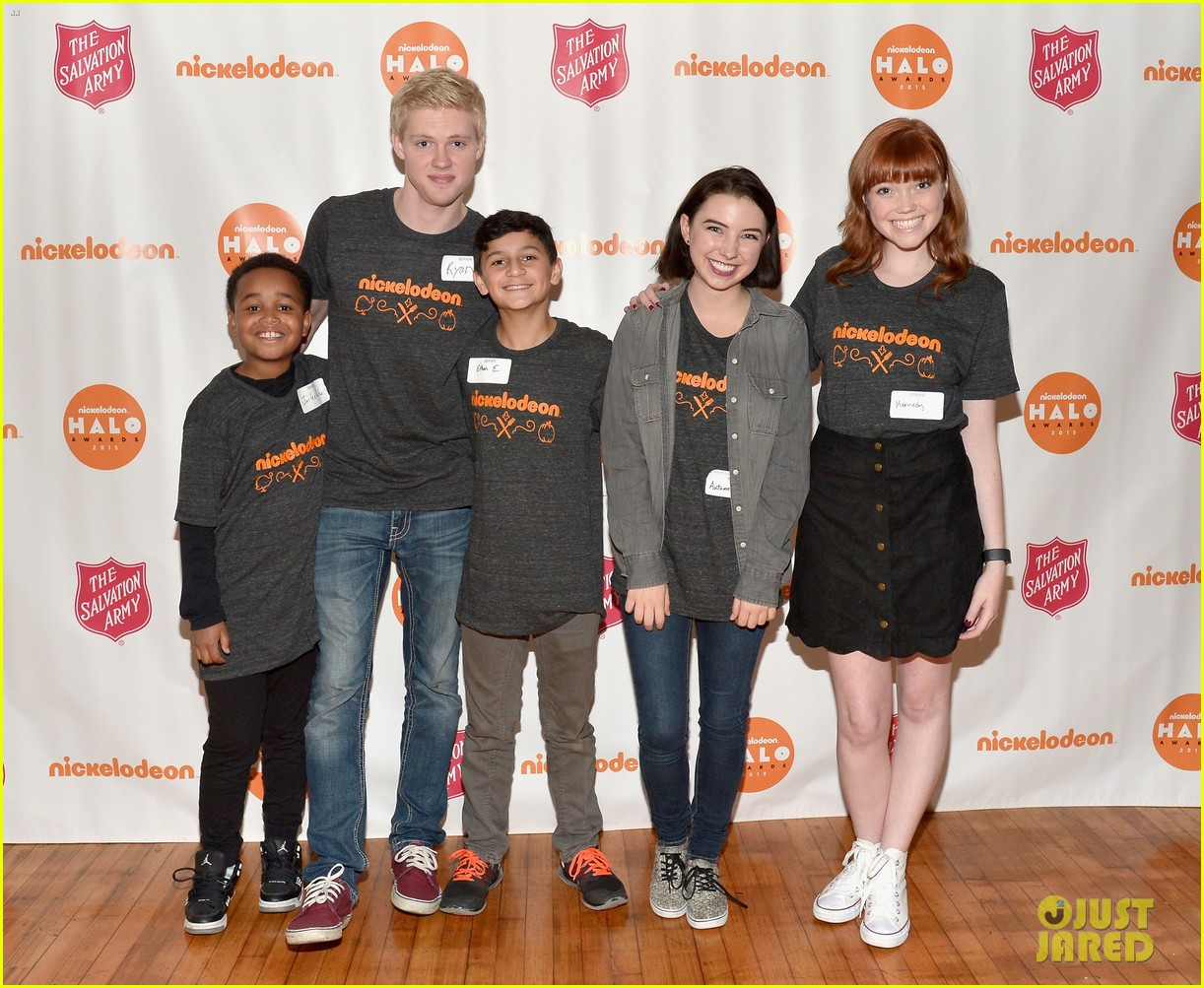 jailen bates attends charity event with nick stars 01