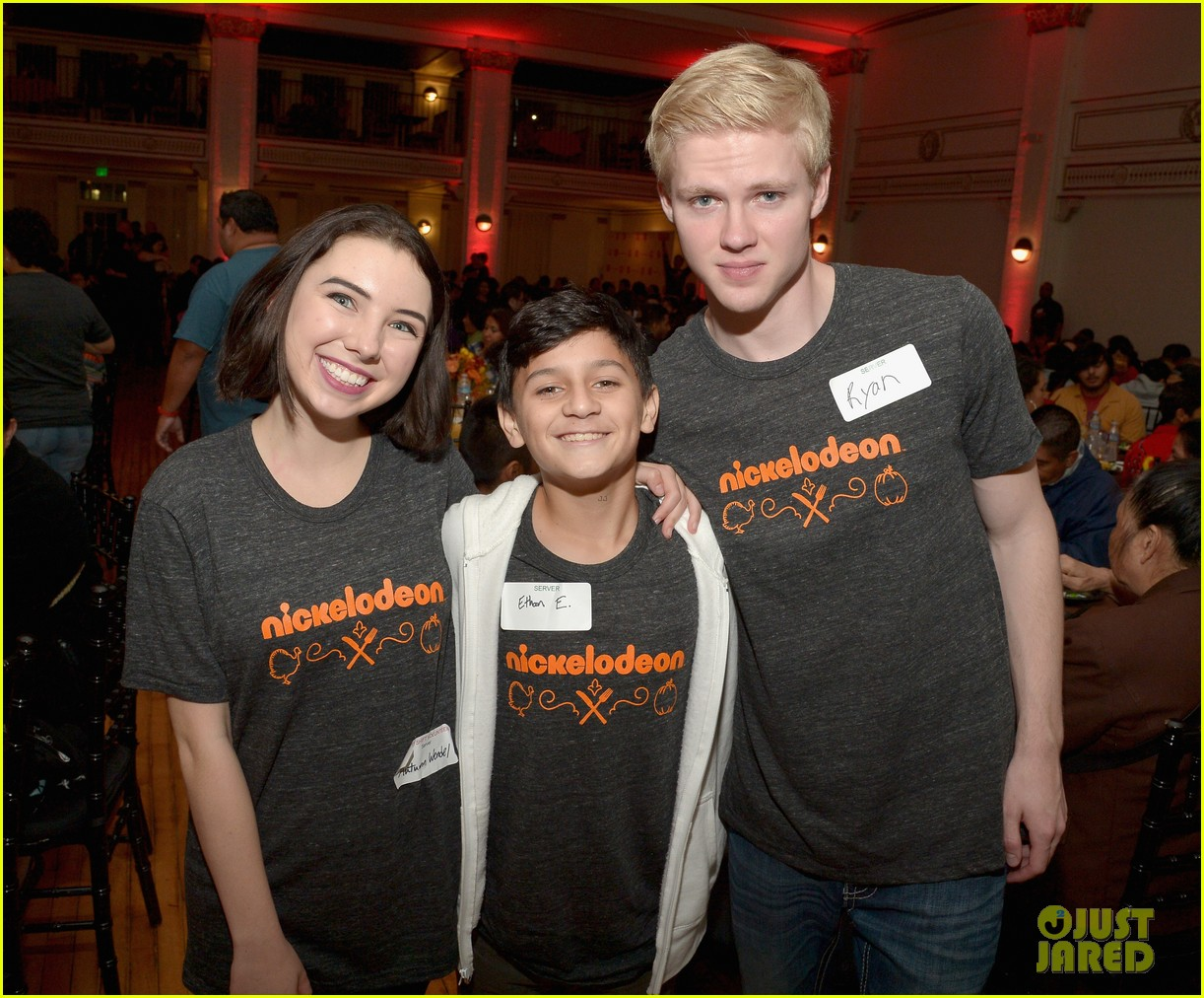 jailen bates attends charity event with nick stars 05
