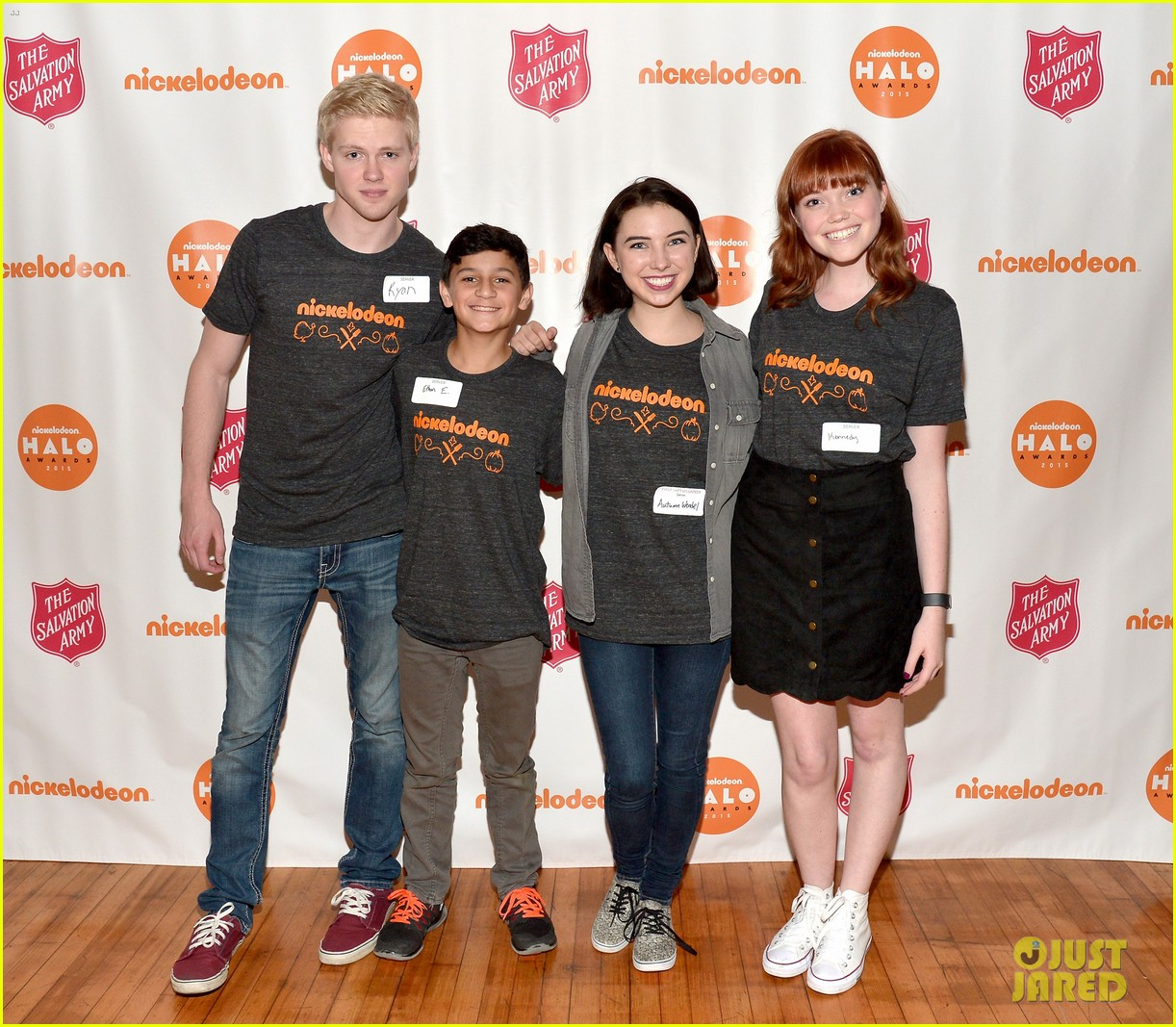 jailen bates attends charity event with nick stars 21