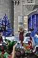 janel parrish tori kelly charlie puth disney chrismas parade pics 04