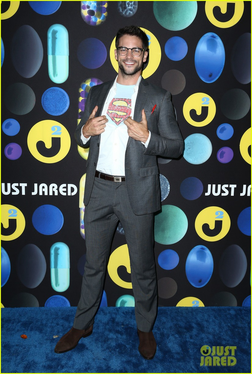 joe jonas wilmer valderrama just jared halloween party 20