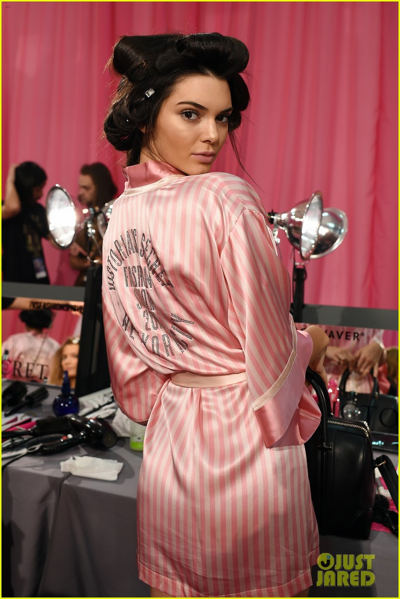 Dorable Victoria Secret Dressing Gown Ornament - Best Evening Gown ...
