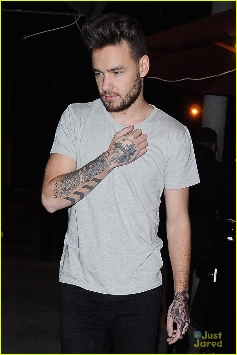 liam payne fake lion tattoo 01