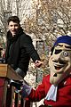 shawn mendes sofia carson thanksgiving day parade 12