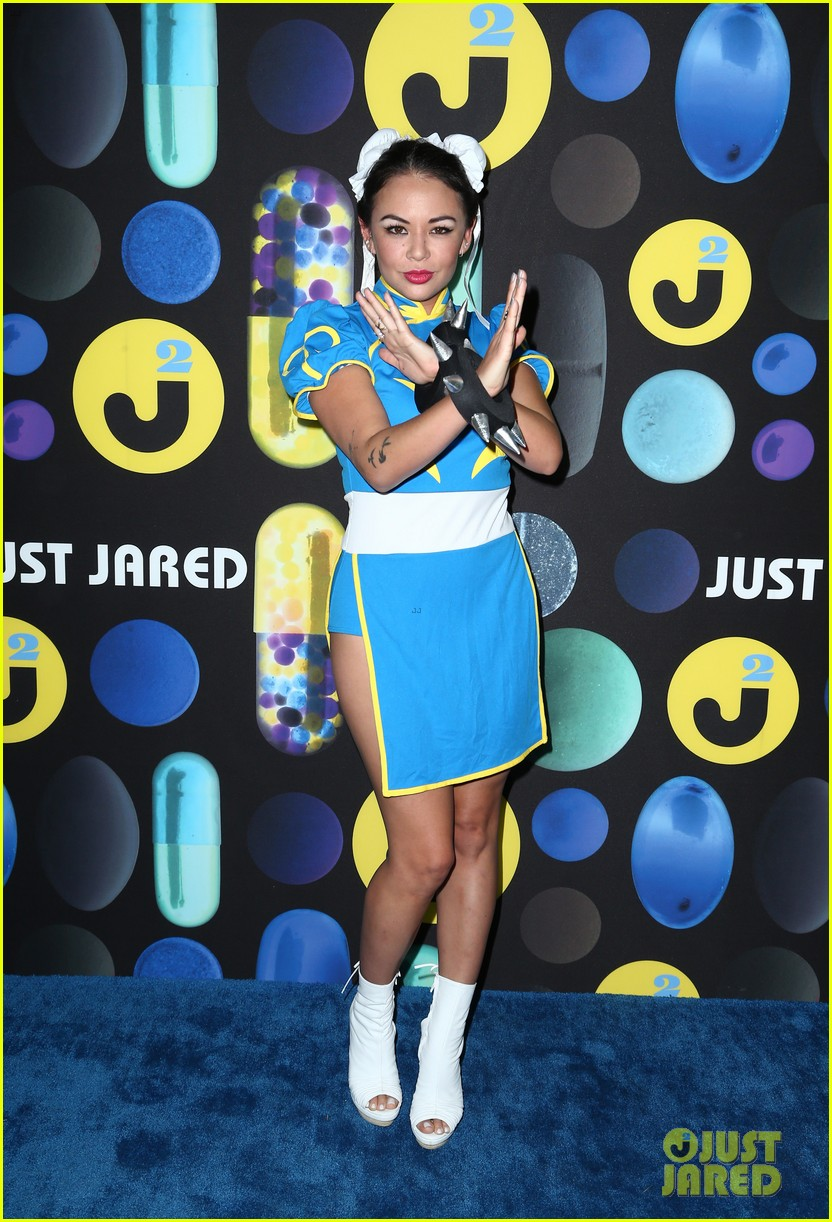 shay mitchell ashley benson just jared halloween party 09