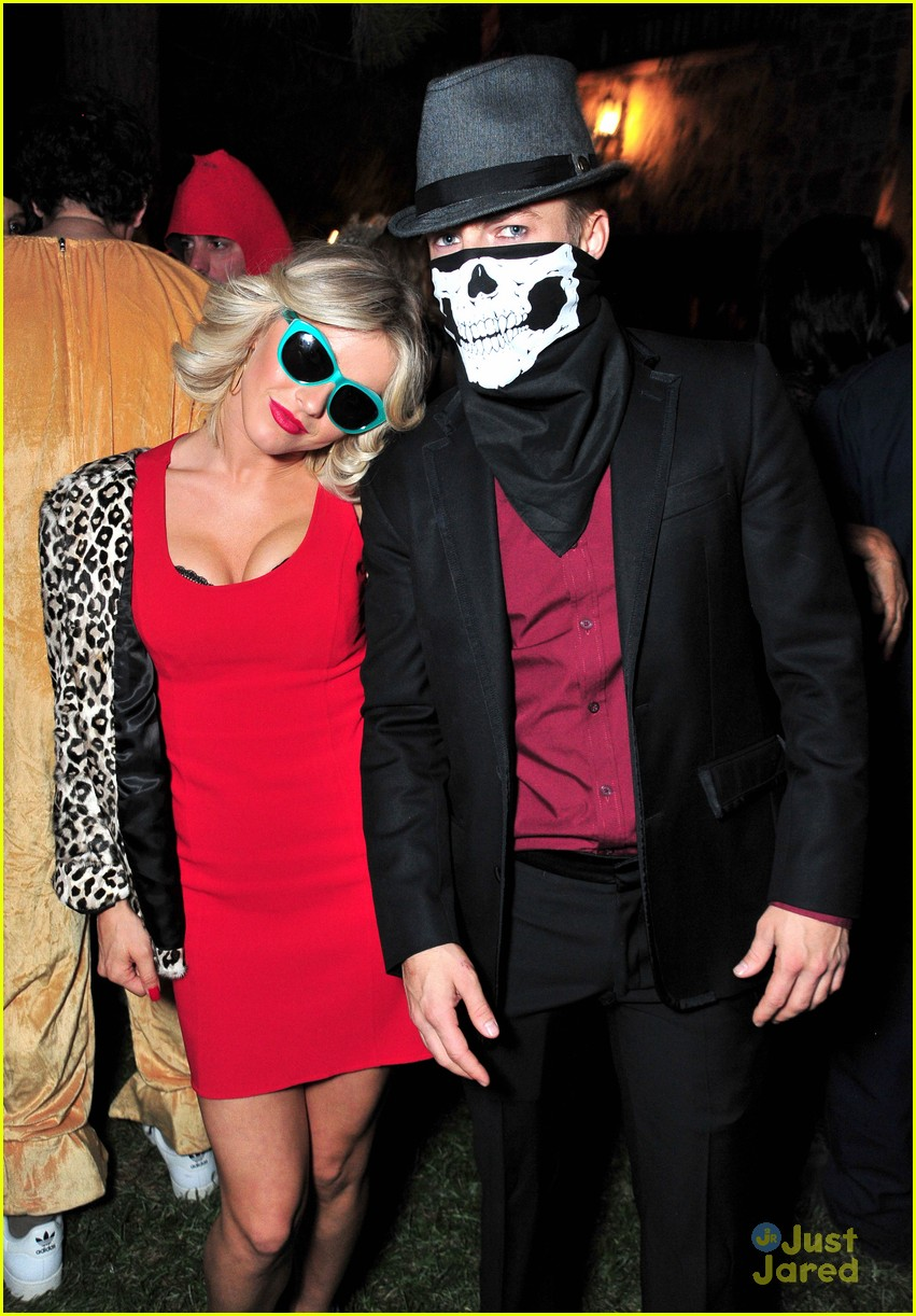 peta maks julianne derek hough more casamigos halloween party 03