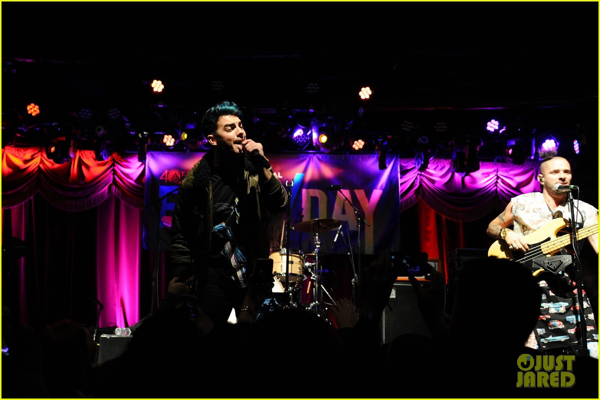dnce tj martell foundation 2015 family day 15