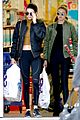 kendall jenner goes christmas shopping with gigi hadid 17
