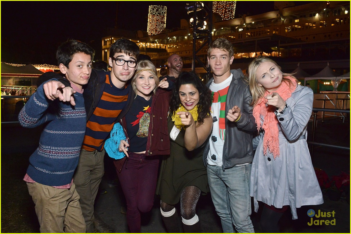 liv maddie cast queen mary meet greet event 01