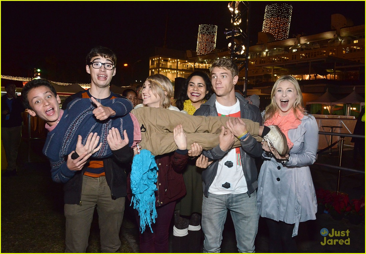 liv maddie cast queen mary meet greet event 04