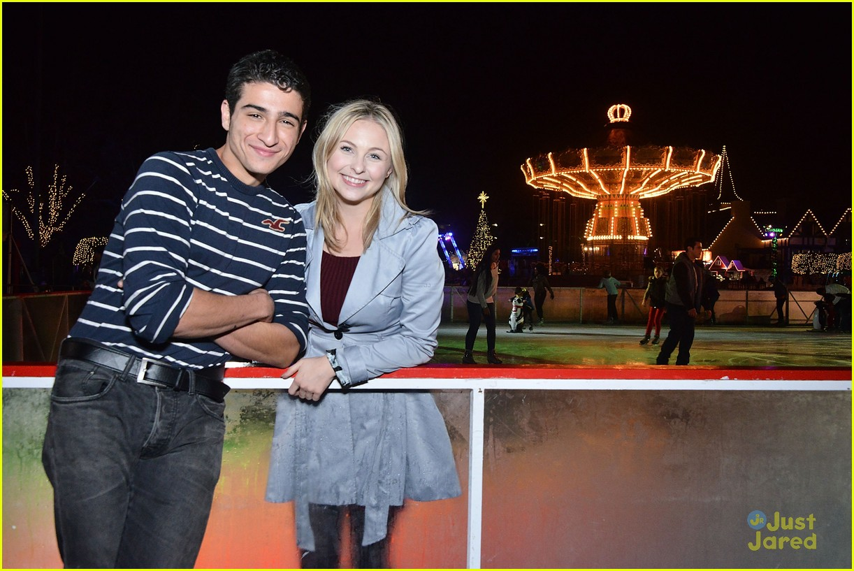 liv maddie cast queen mary meet greet event 05