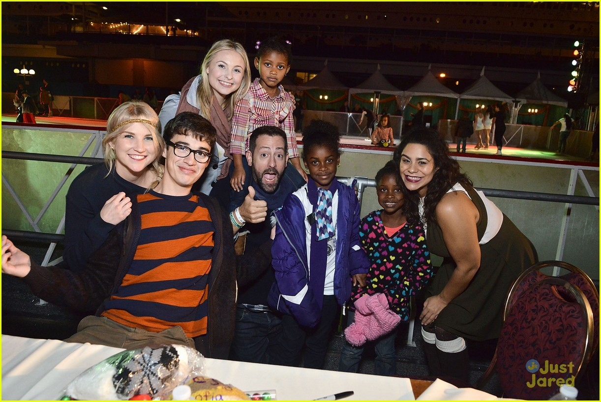 liv maddie cast queen mary meet greet event 06