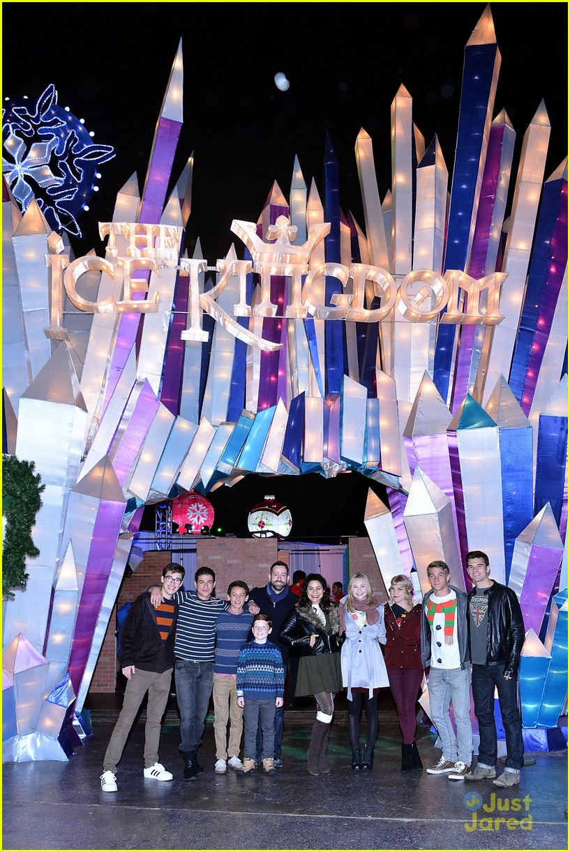 liv maddie cast queen mary meet greet event 07