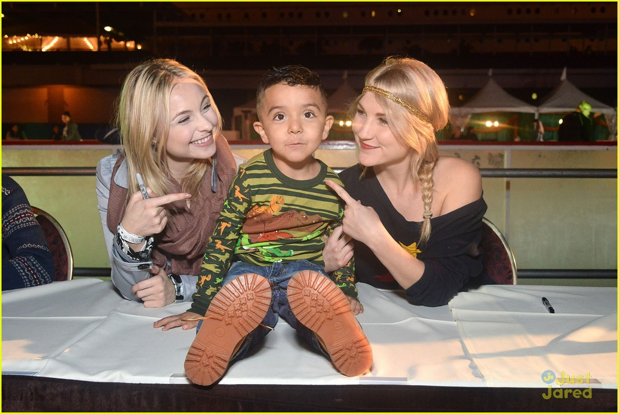 liv maddie cast queen mary meet greet event 18