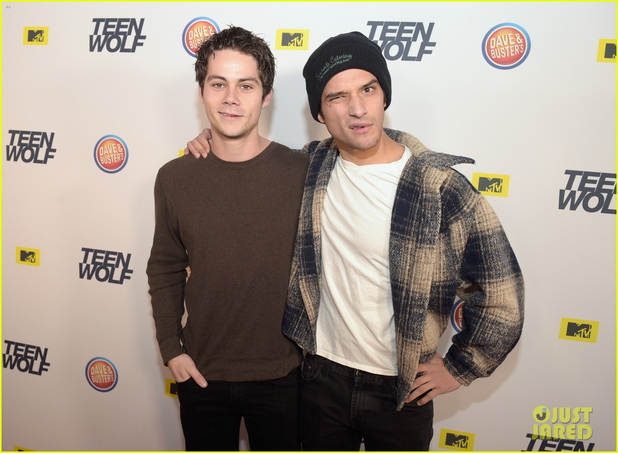 Dylan Obrien Tyler Posey Reunite At Teen Wolf La Premiere