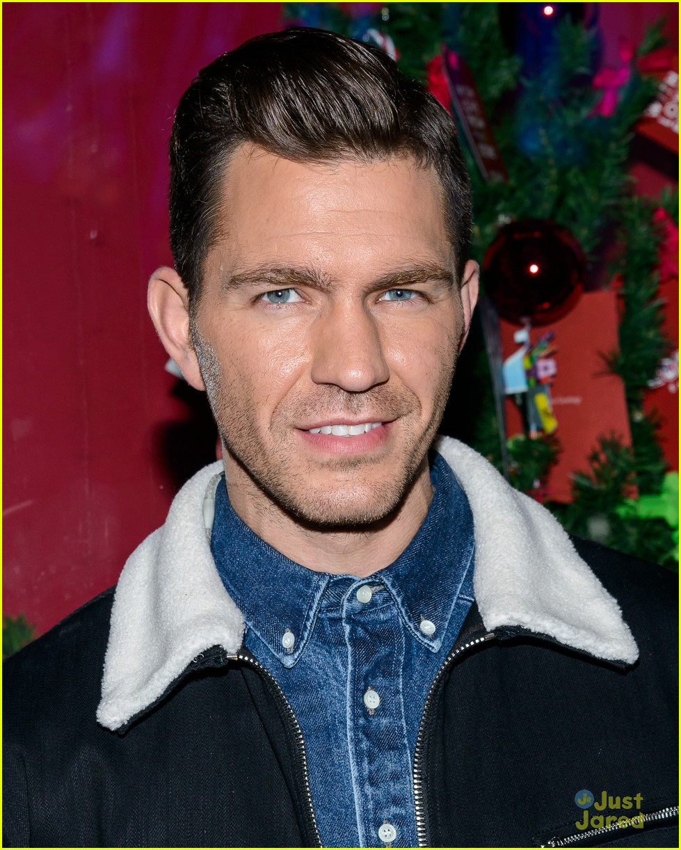pentatonix andy grammer rockefeller tree lighting ceremony 11