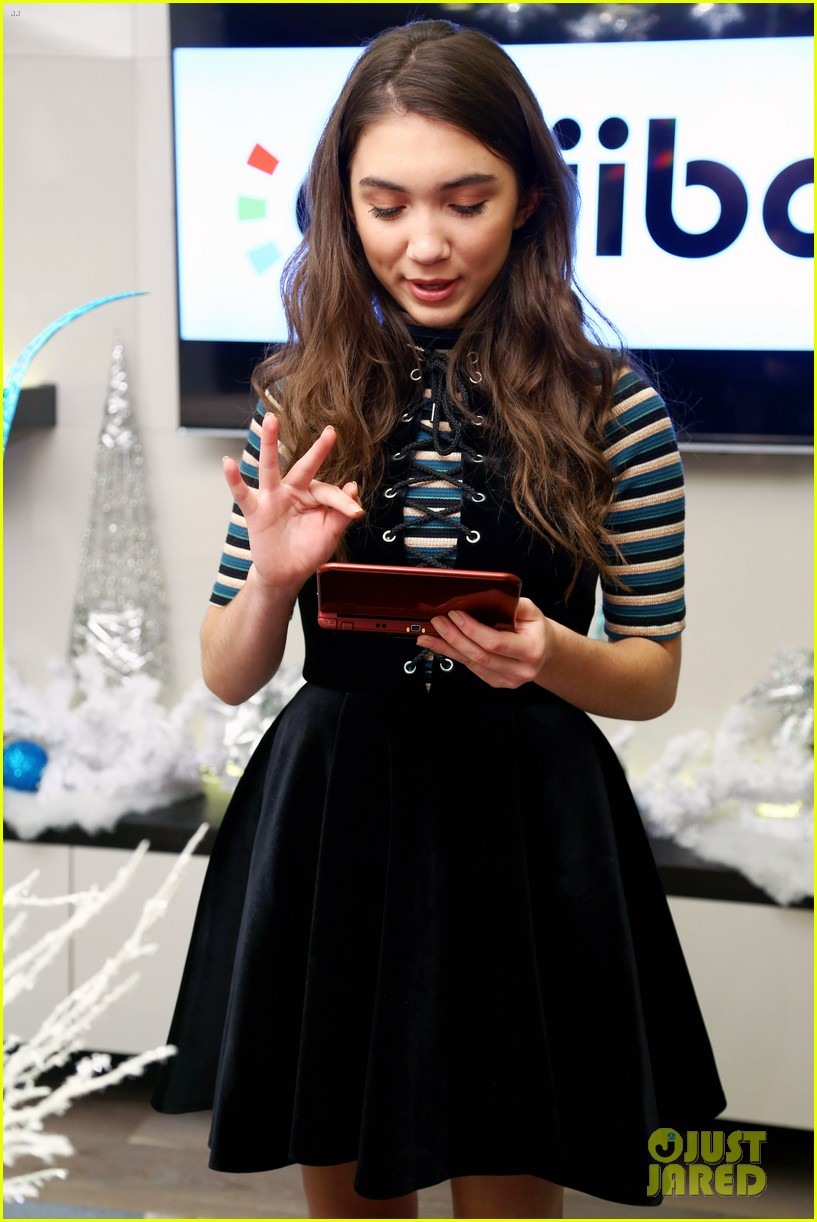 rowan blanchard nintendo winter wonderland event 01