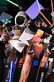 john boyega daisy ridley star wars premiere shanghai 05