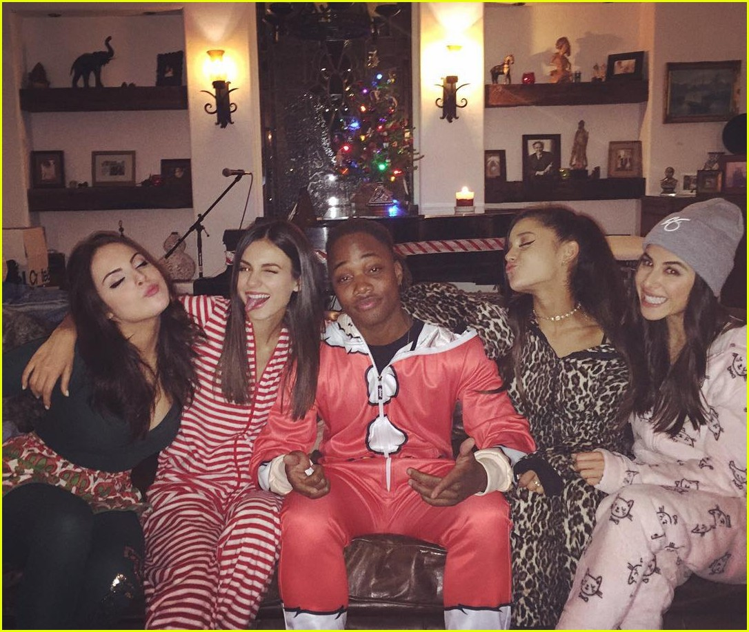 victorious reunion onesie party see pics 03