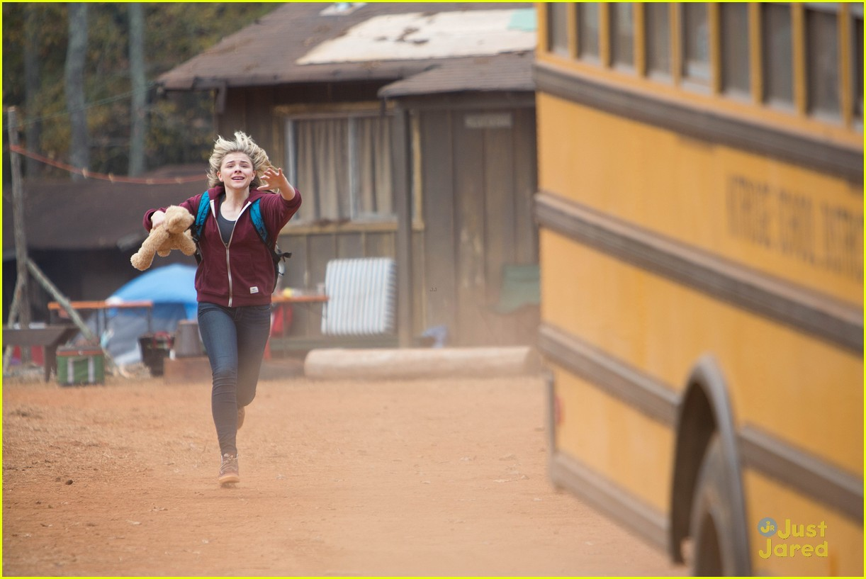 Cassie Runs Away With Sammy In New Pics & Clips From 'The