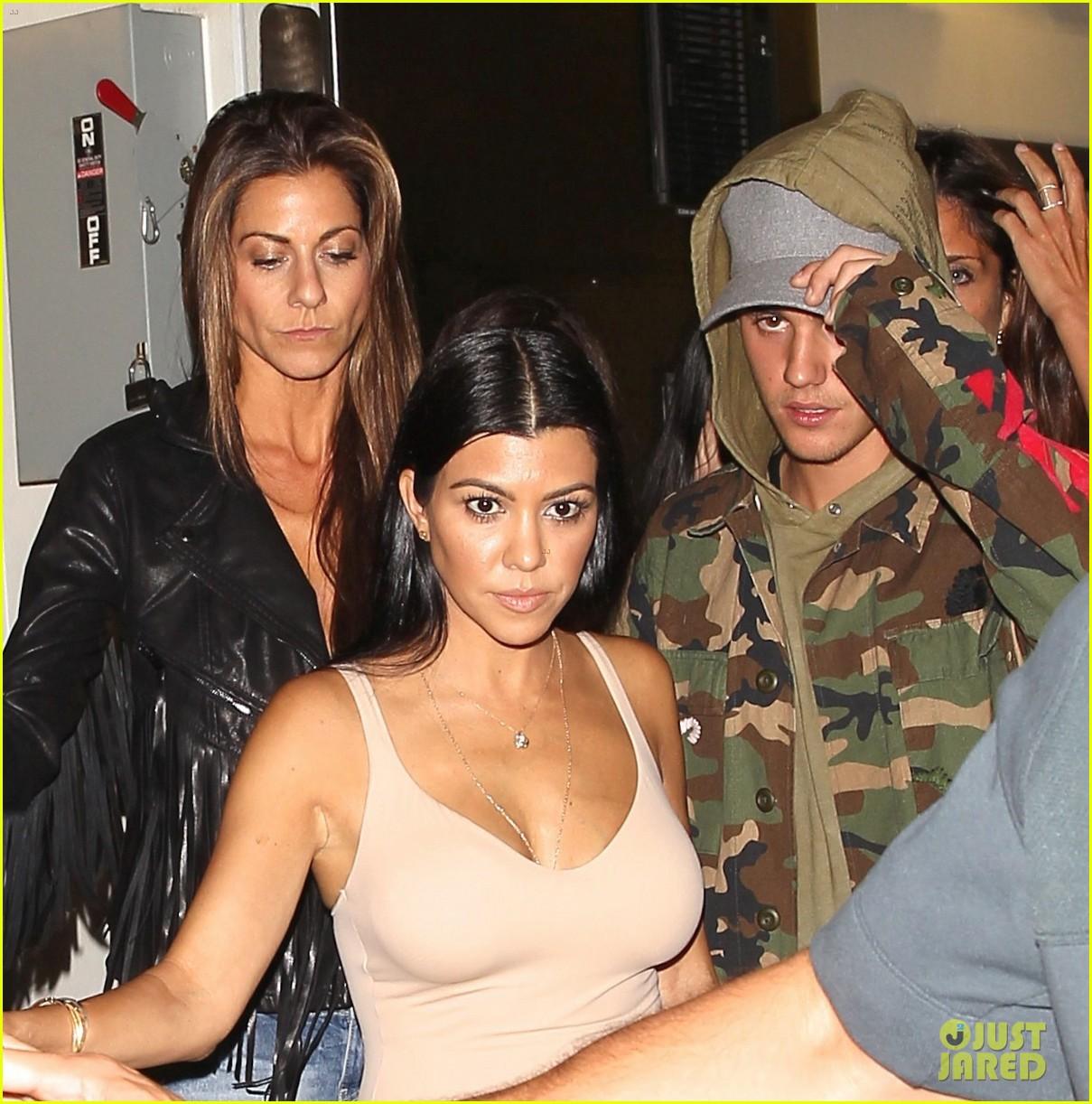Justin bieber dating the kardashian