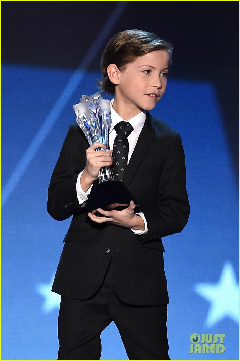 jacob tremblay uptown funk dance 03