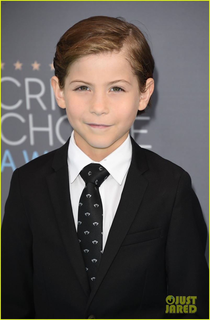 jacob tremblay uptown funk dance 05
