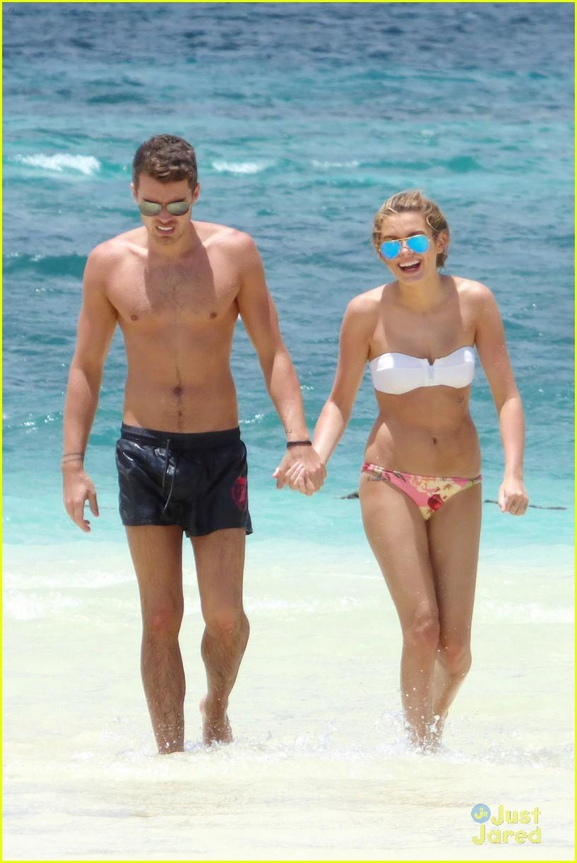 josh cuthbert chloe lloyd beach kiss bikini 07