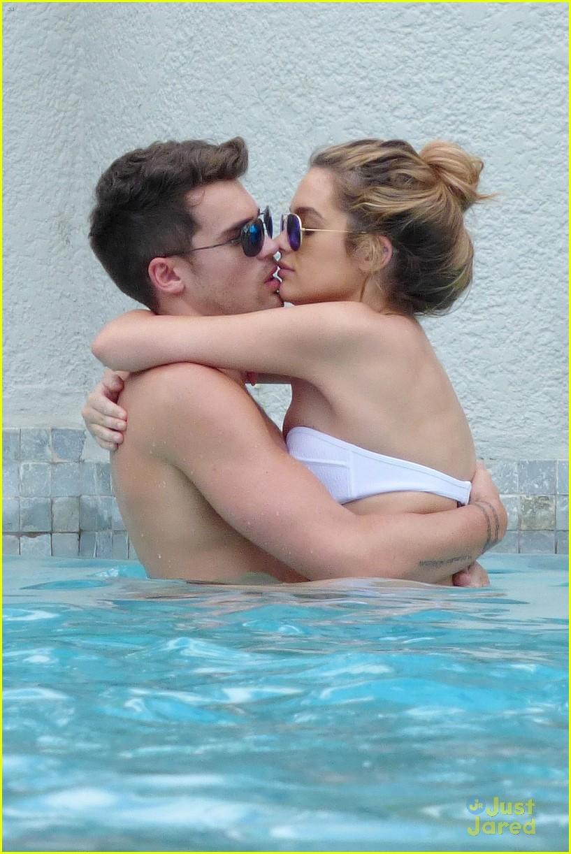 josh cuthbert chloe lloyd beach kiss bikini 17