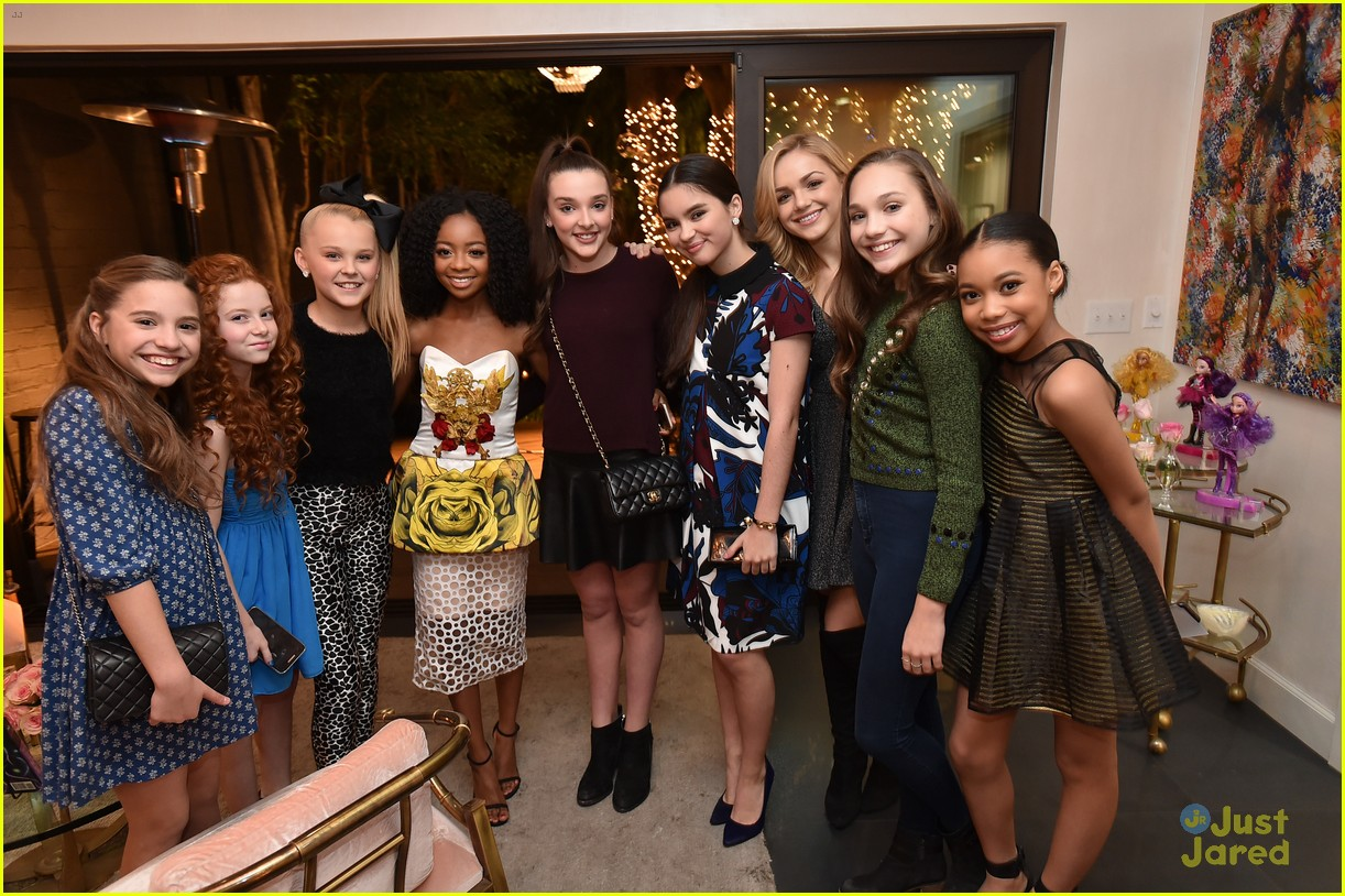 Maddie Ziegler Joins Dance Moms Crew At Jjj S Star