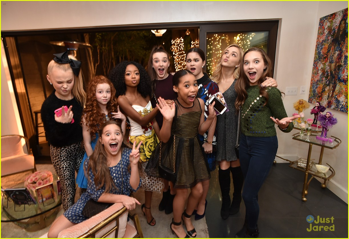 maddie ziegler dance moms jjj star darlings dinner 27