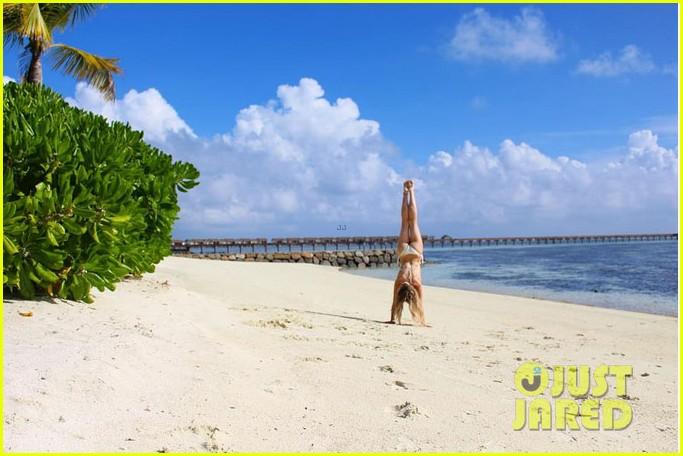 perrie edwards white bikini vacation beach 01
