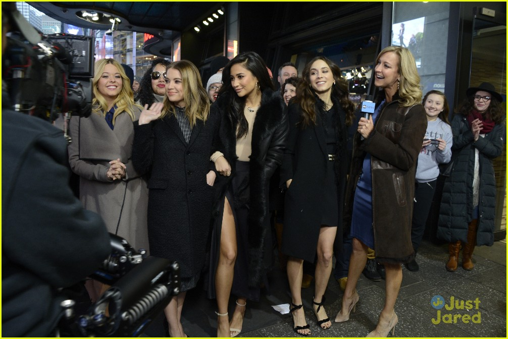 pretty little liars cast finish up gma appearance 03