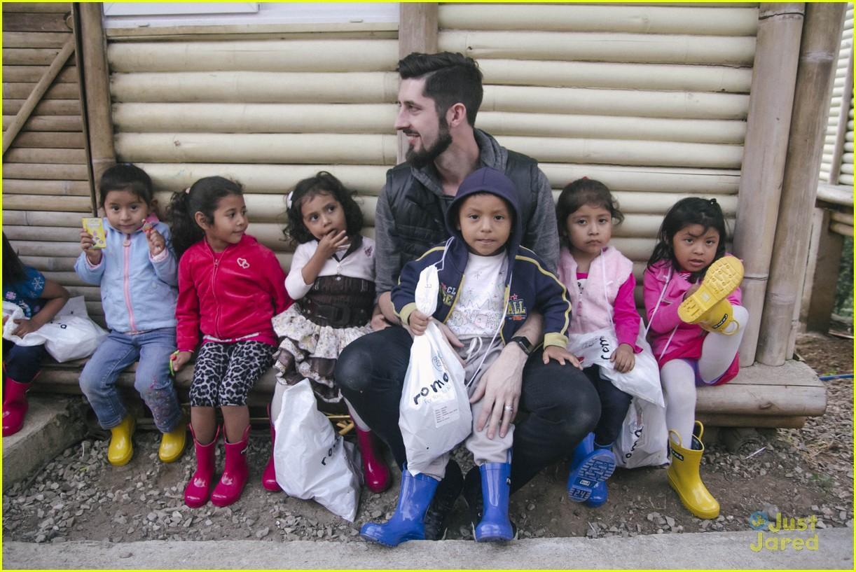 sadie robertson roma boots donation 01