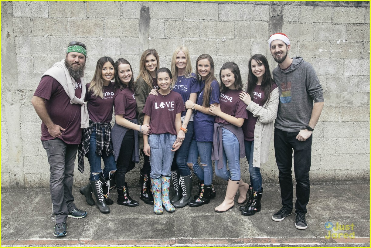 sadie robertson roma boots donation 02