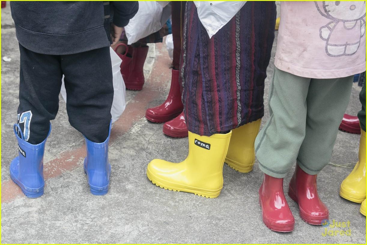 sadie robertson roma boots donation 05