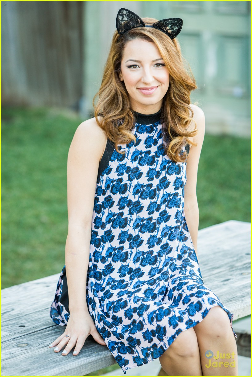 vanessa lengies home family lace ears second chance 01