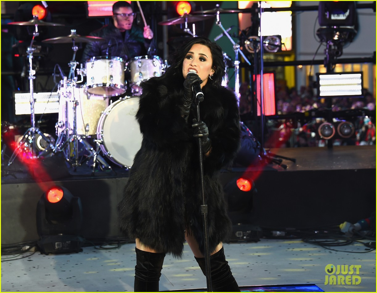 wilmer valderrama supports demi lovato on new years eve 12