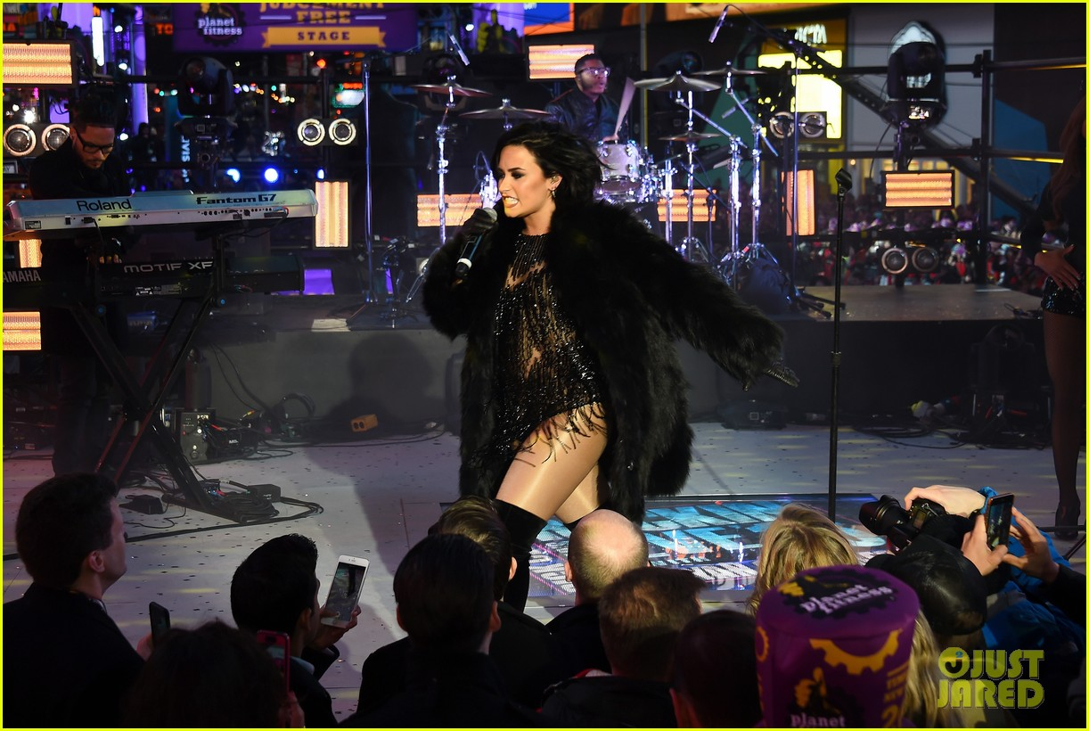 wilmer valderrama supports demi lovato on new years eve 16