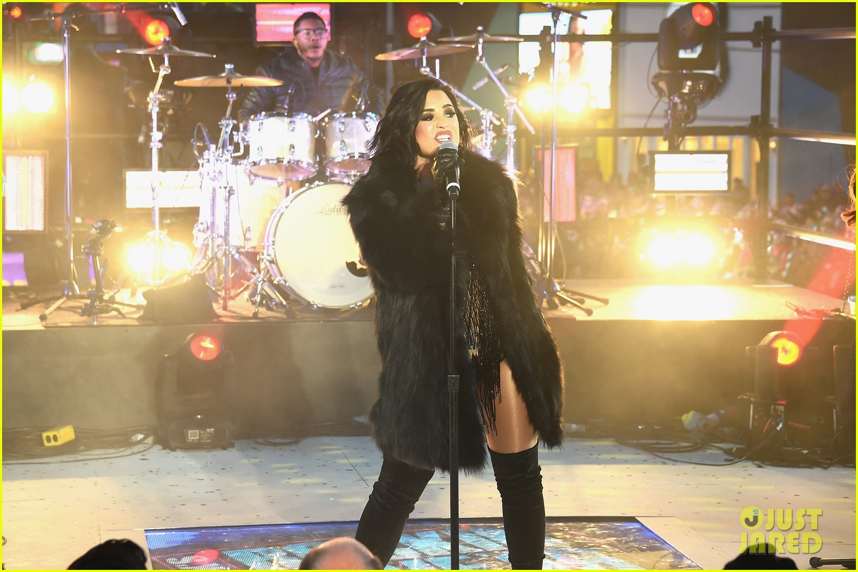 wilmer valderrama supports demi lovato on new years eve 18