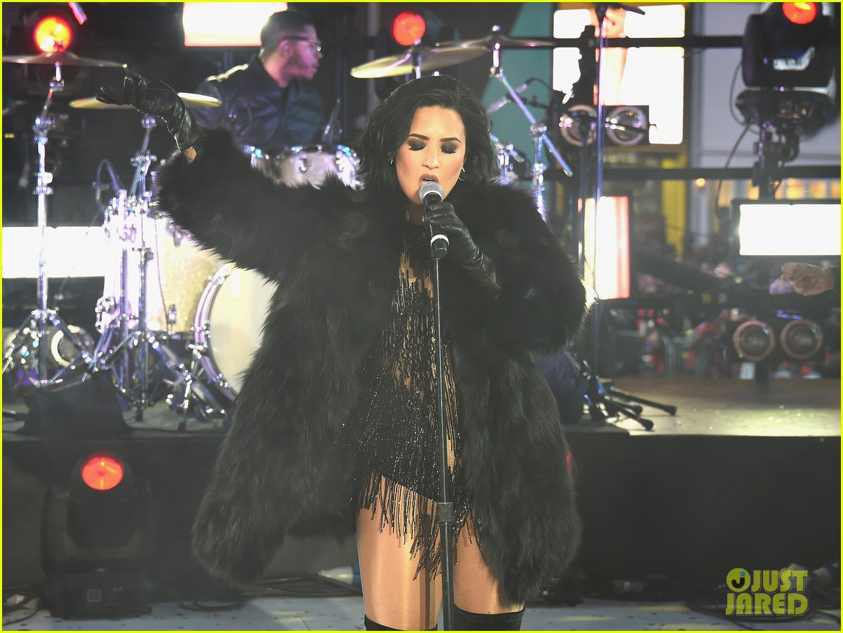wilmer valderrama supports demi lovato on new years eve 19